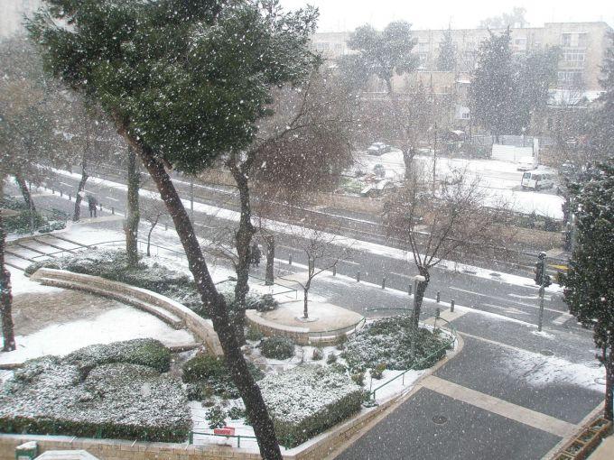 Капризи погоди: в Єрусалимі випав град