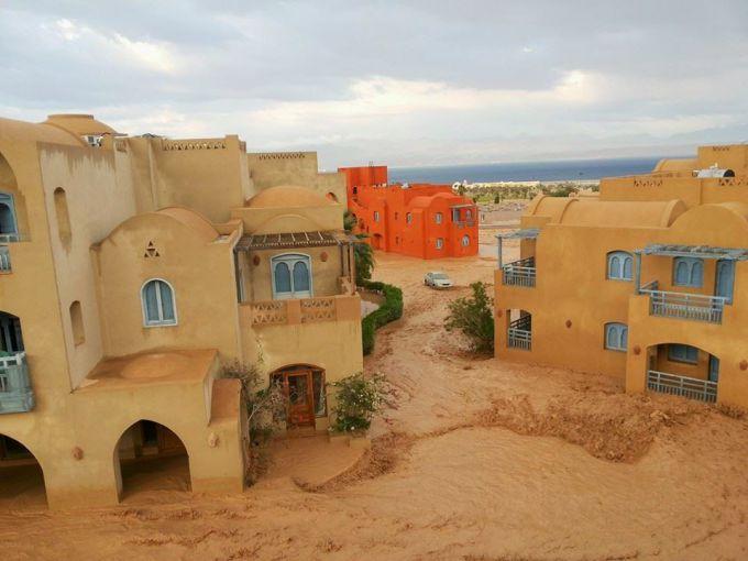 Дощі в Єгипті забрали життя 12 людей (ВІДЕО)