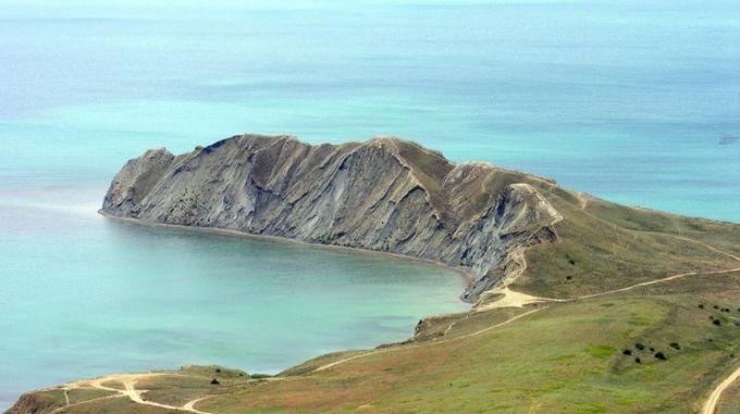 Зсув у Криму: мис Хамелеон обірвався у море (ВІДЕО)